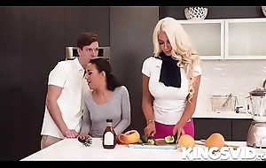 Nicolette shea together with step-daughter enjoys step-daughter'_s make obsolete
