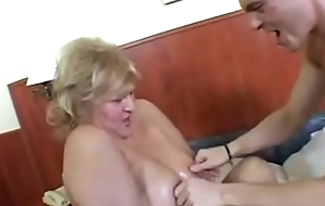 BBW Chunky TITS SAGGY TITS GRANNY Coitus