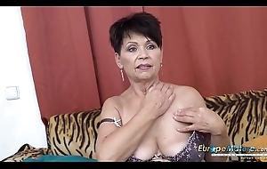 EuropeMaturE Unescorted Lady Self Stimulation Footage