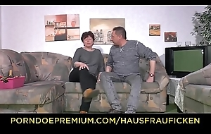 HAUSFRAU FICKEN - Broad in the beam lass fucks like a harlot