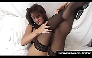 Super Cougar Deauxma Squirts Her Pussy Hooch Masturbating!