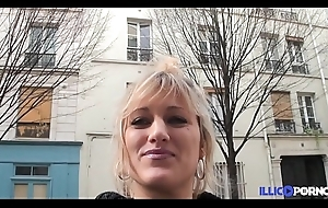 Bonne milf light-complexioned bang devant son mari, pour Noël [Full Video]