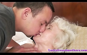 Dickloving gilf gets their way queasy pussy fucked