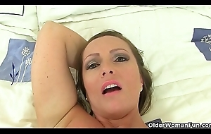 English milf Destructive Emma puts the brush sex toy to work