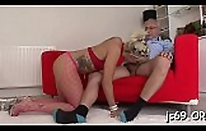Adorable juvenile playgirl cums fast by way of a fuck opportunity with anybody