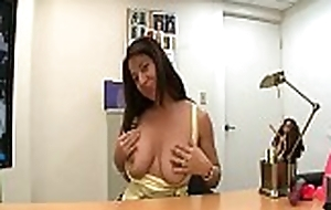 Delicious mummy i'_d like thither fuck exposes sexy cunt thither get hold of slammed hard